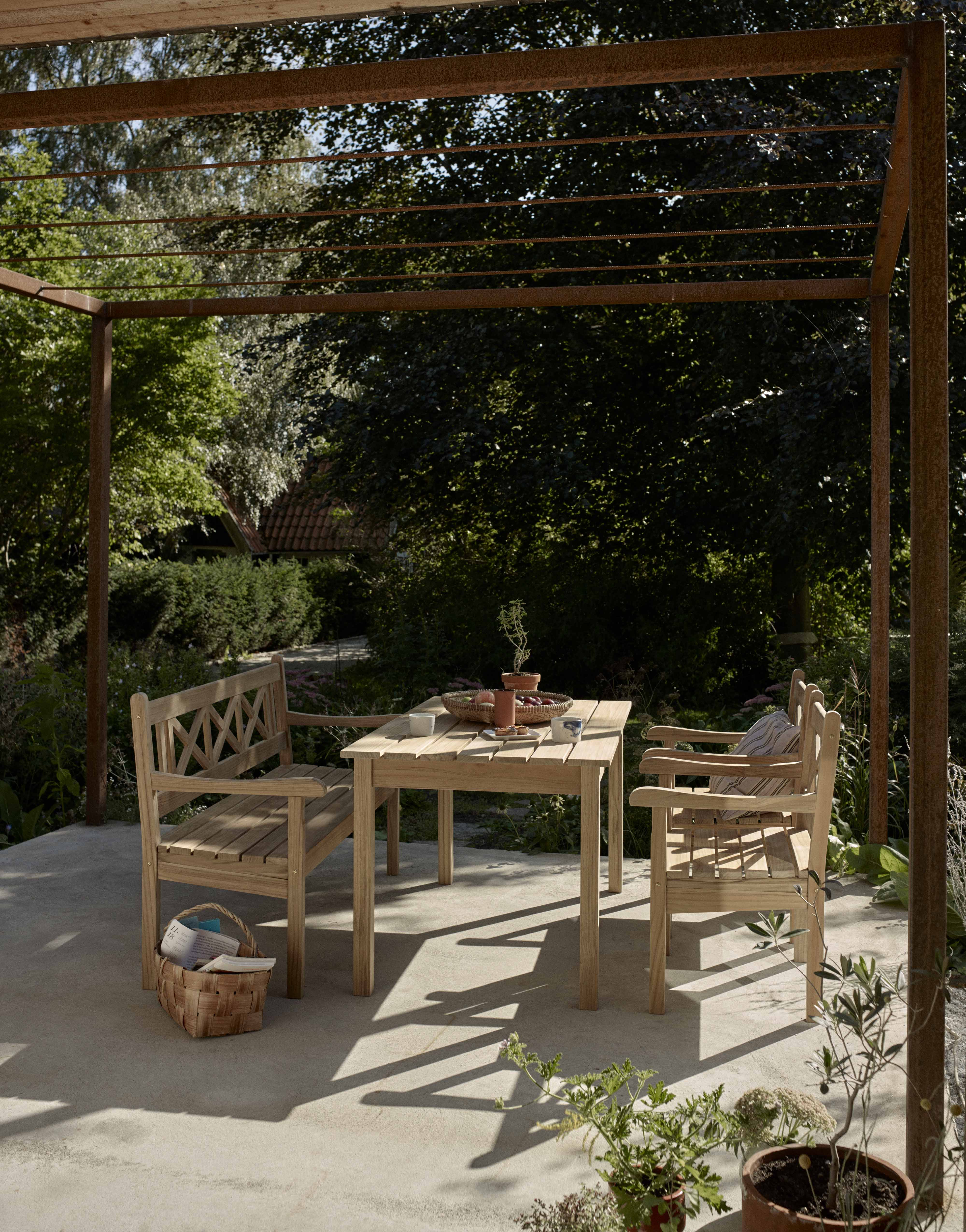 10 of the best outdoor dining sets3