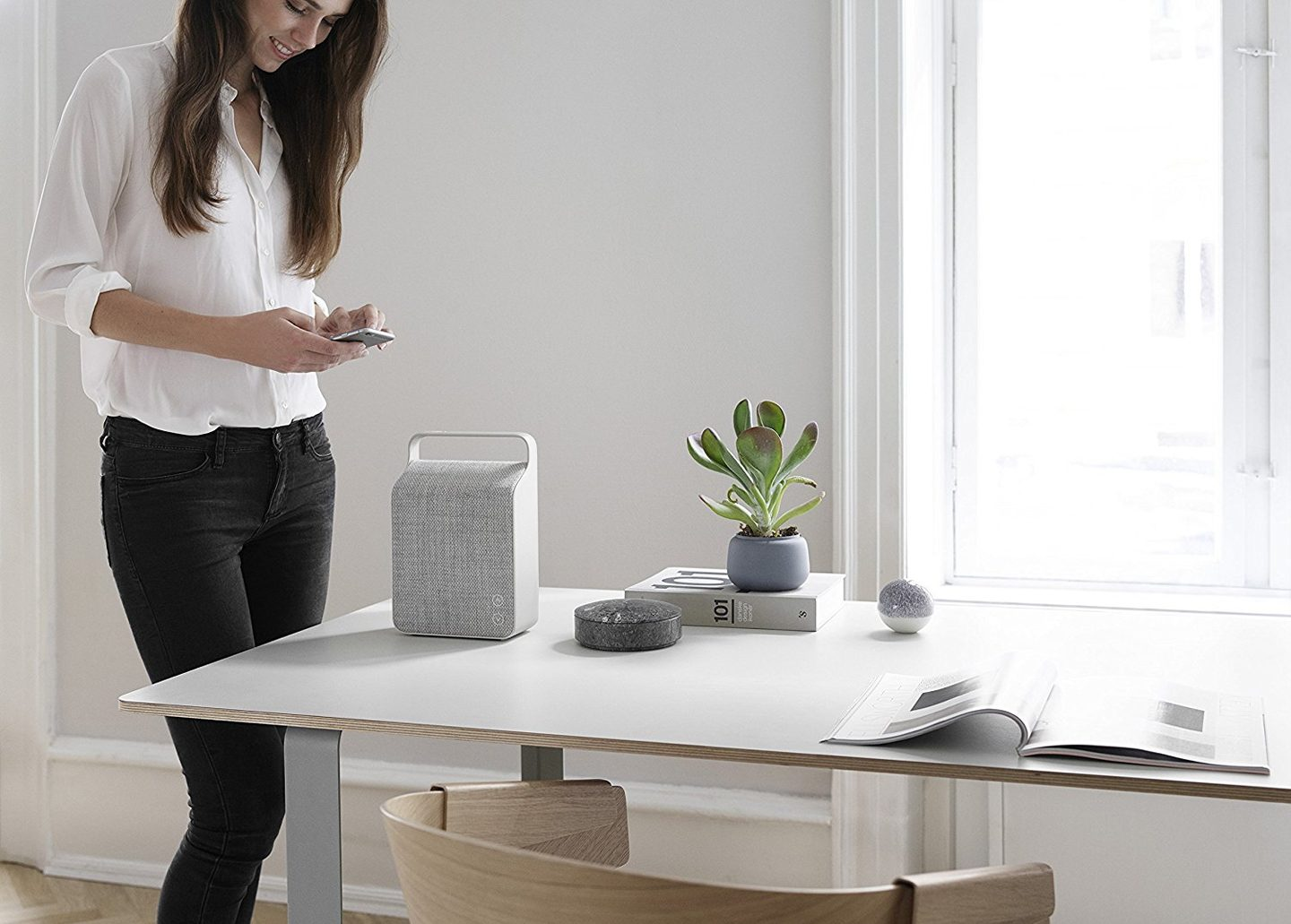 OSLO PORTABLE WIRELESS SPEAKER PEBBLE GREY