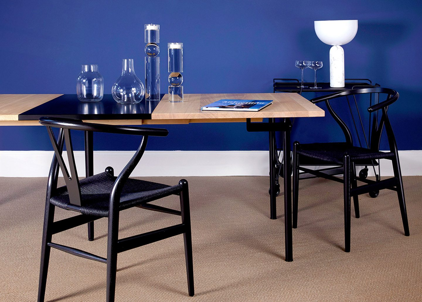 CH322 DINING TABLE BY CARL HANSEN