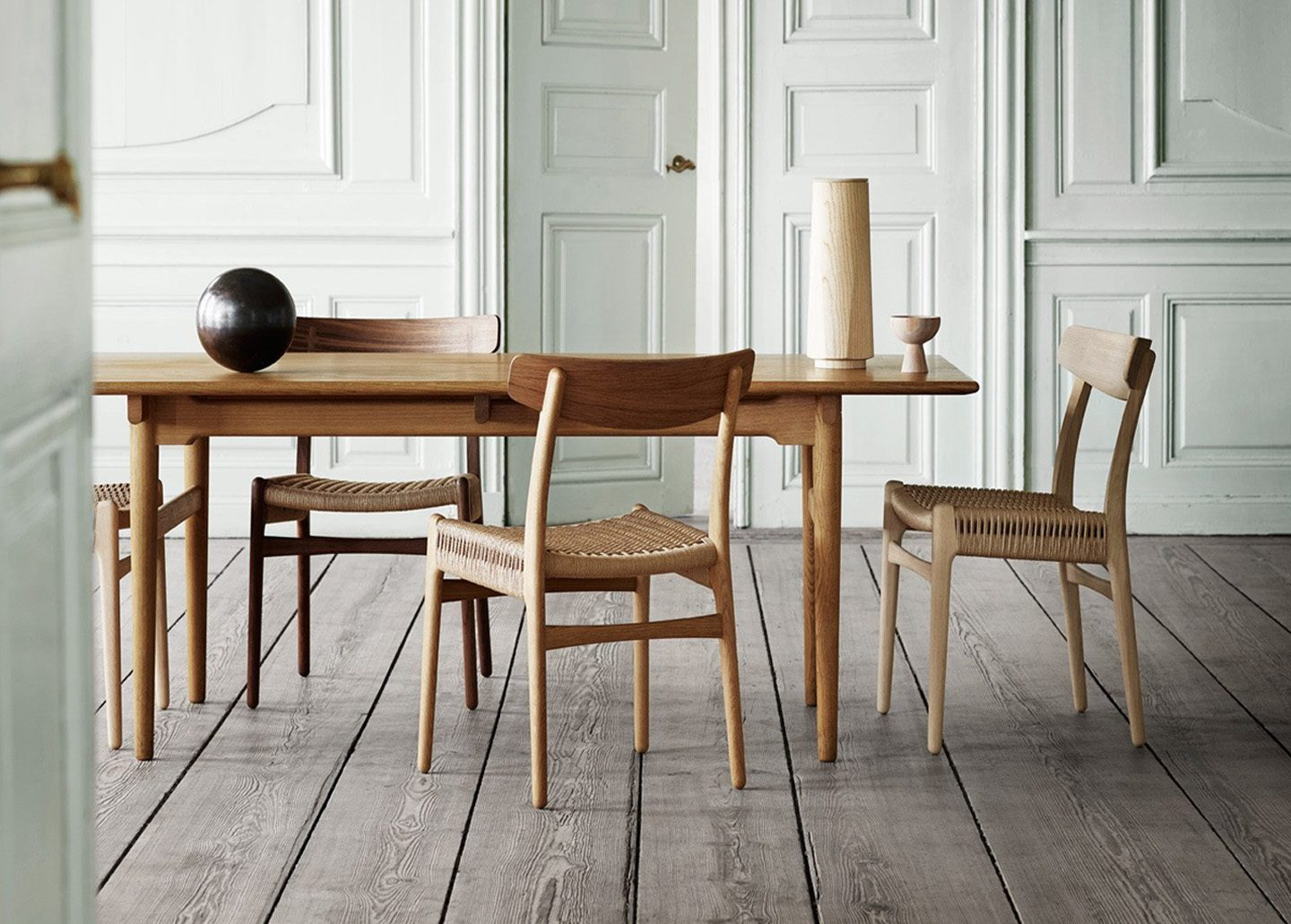 CH327 DINING TABLE BY CARL HANSEN - QUICKSHIP
