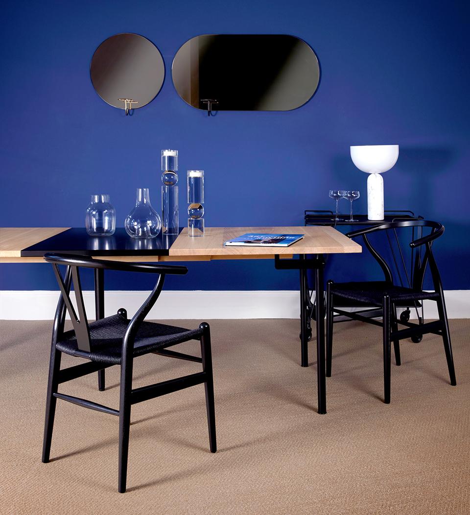 Moleta Munro Showroom CH322 table carl hansen
