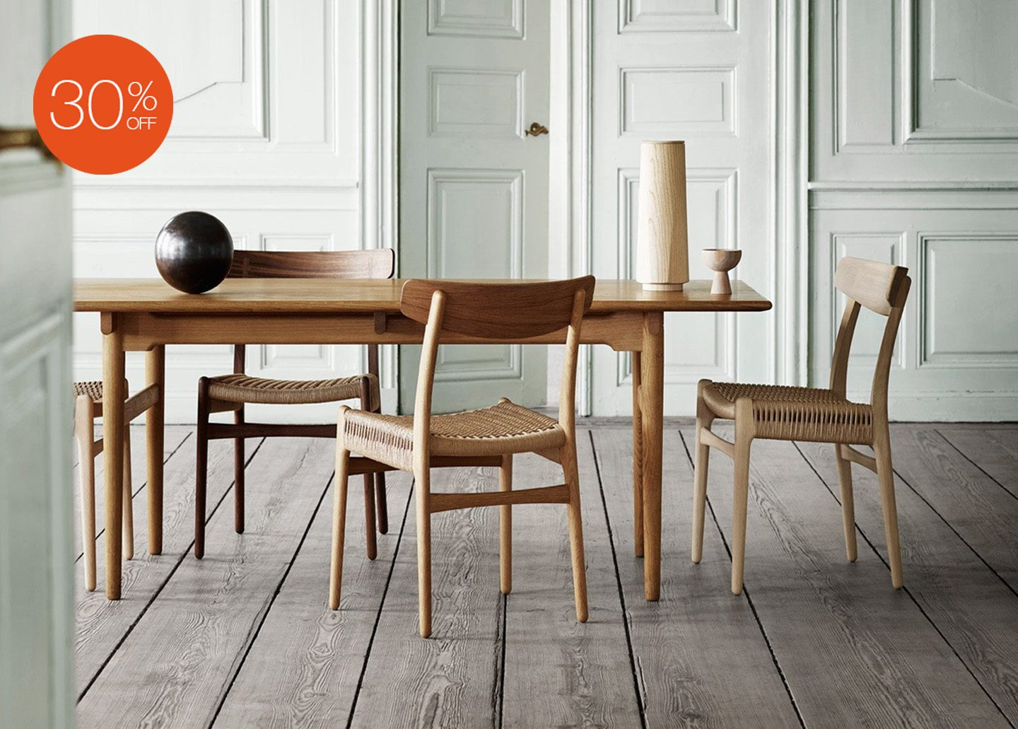 CH327 DINING TABLE BY CARL HANSEN