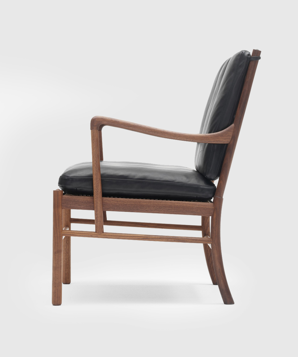 COLONIAL CHAIR WALNUT BY CARL HANSEN