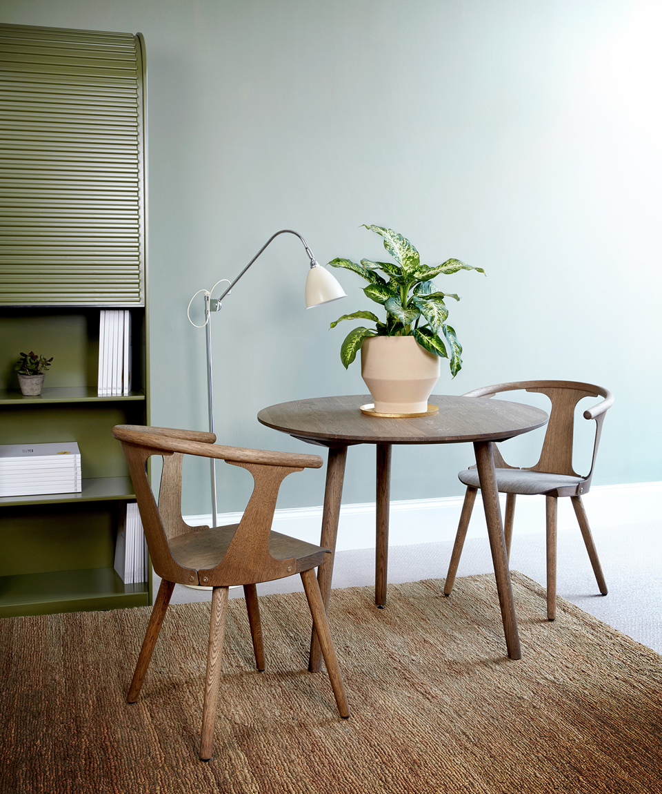 Moleta Munro Showroom carl hansen oculus chair pastoe cabinet