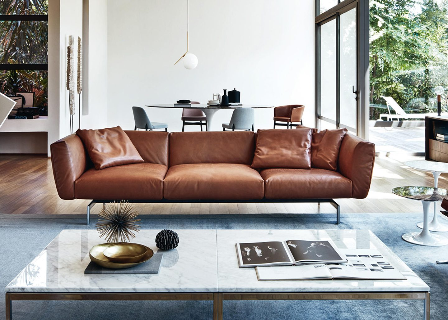 AVIO THREE SEATER LEATHER SOFA BY KNOLL