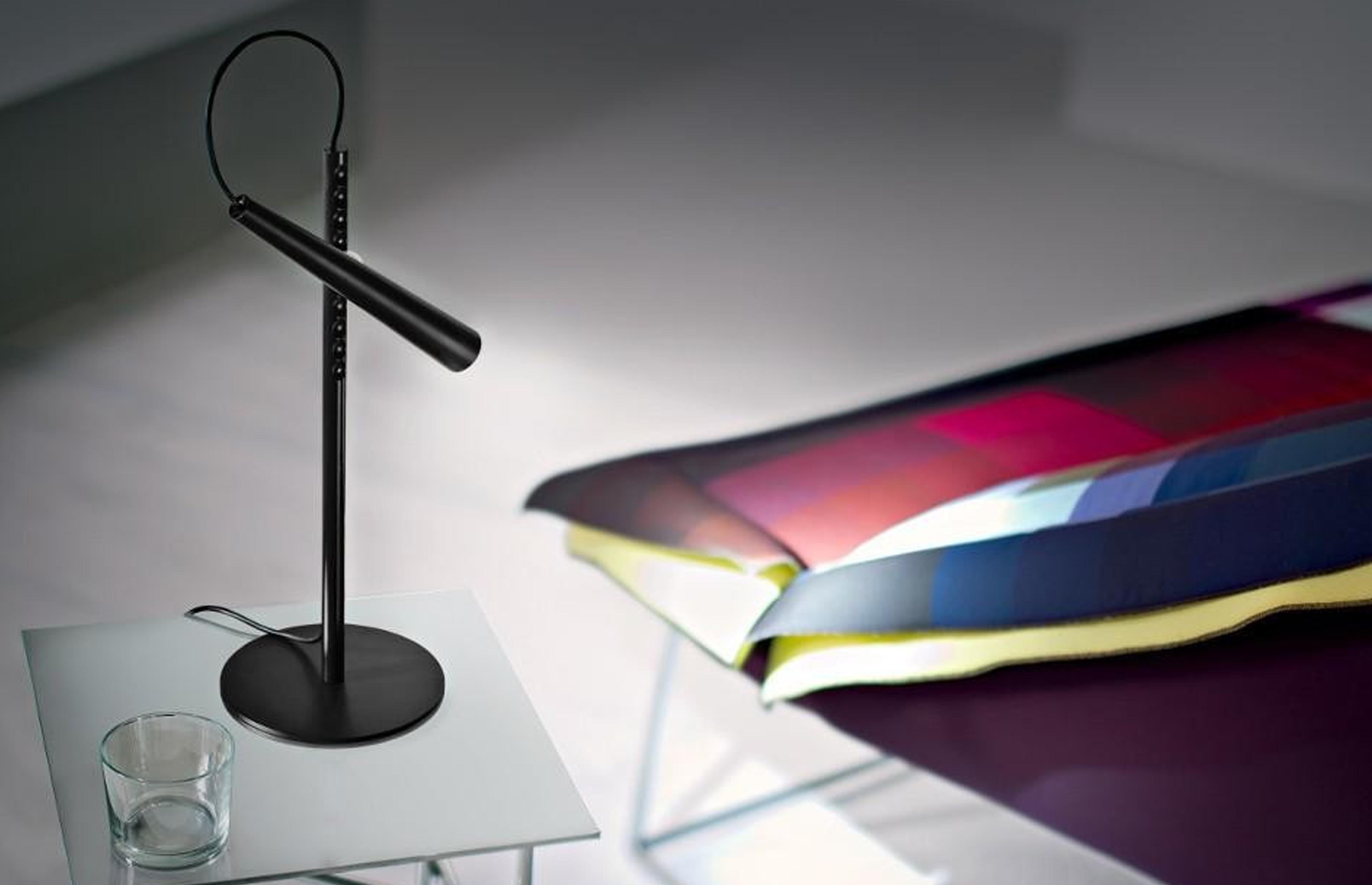 magnetico-table-lamp-foscarini