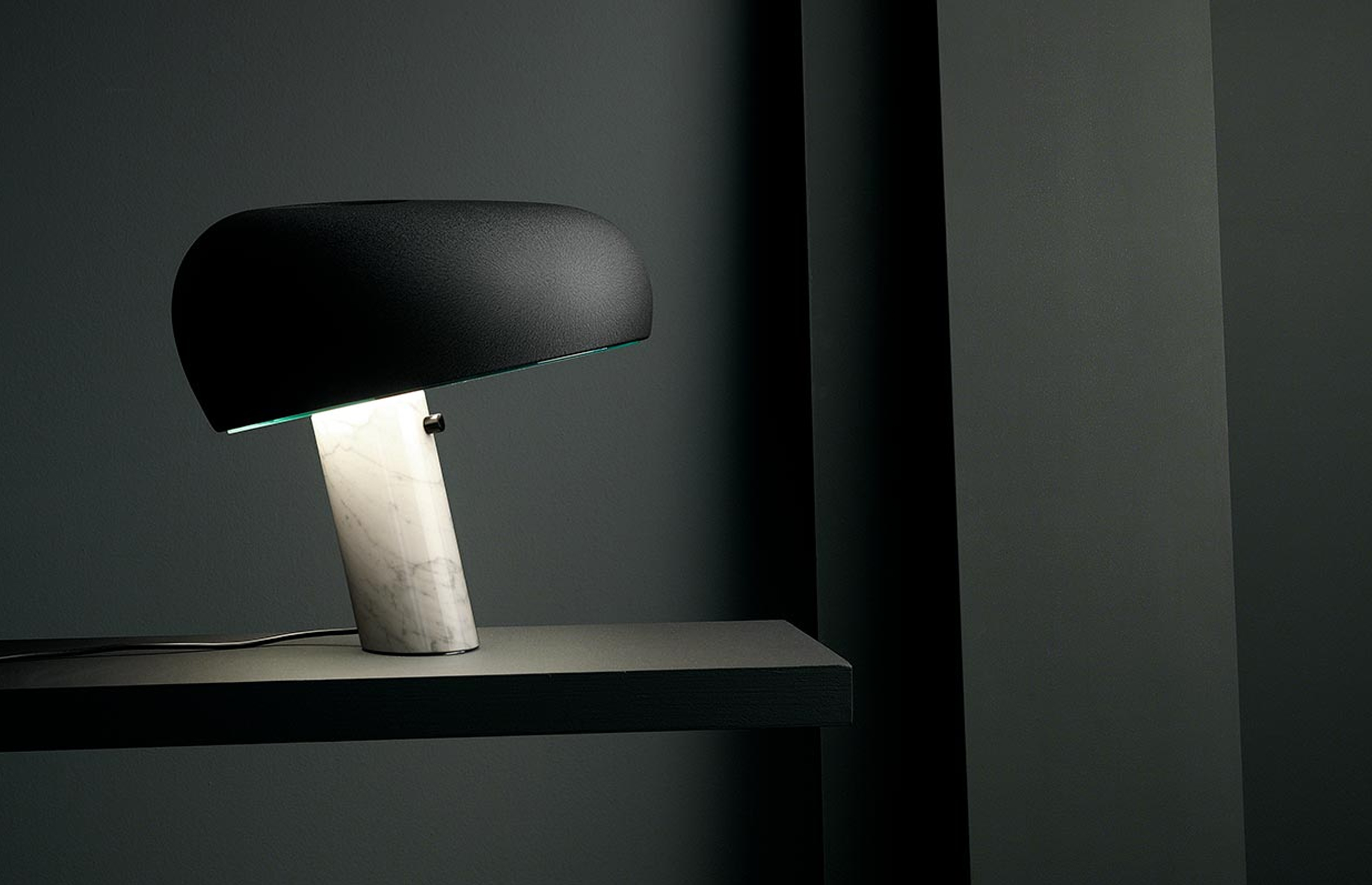snoopy-flos-table-lamp