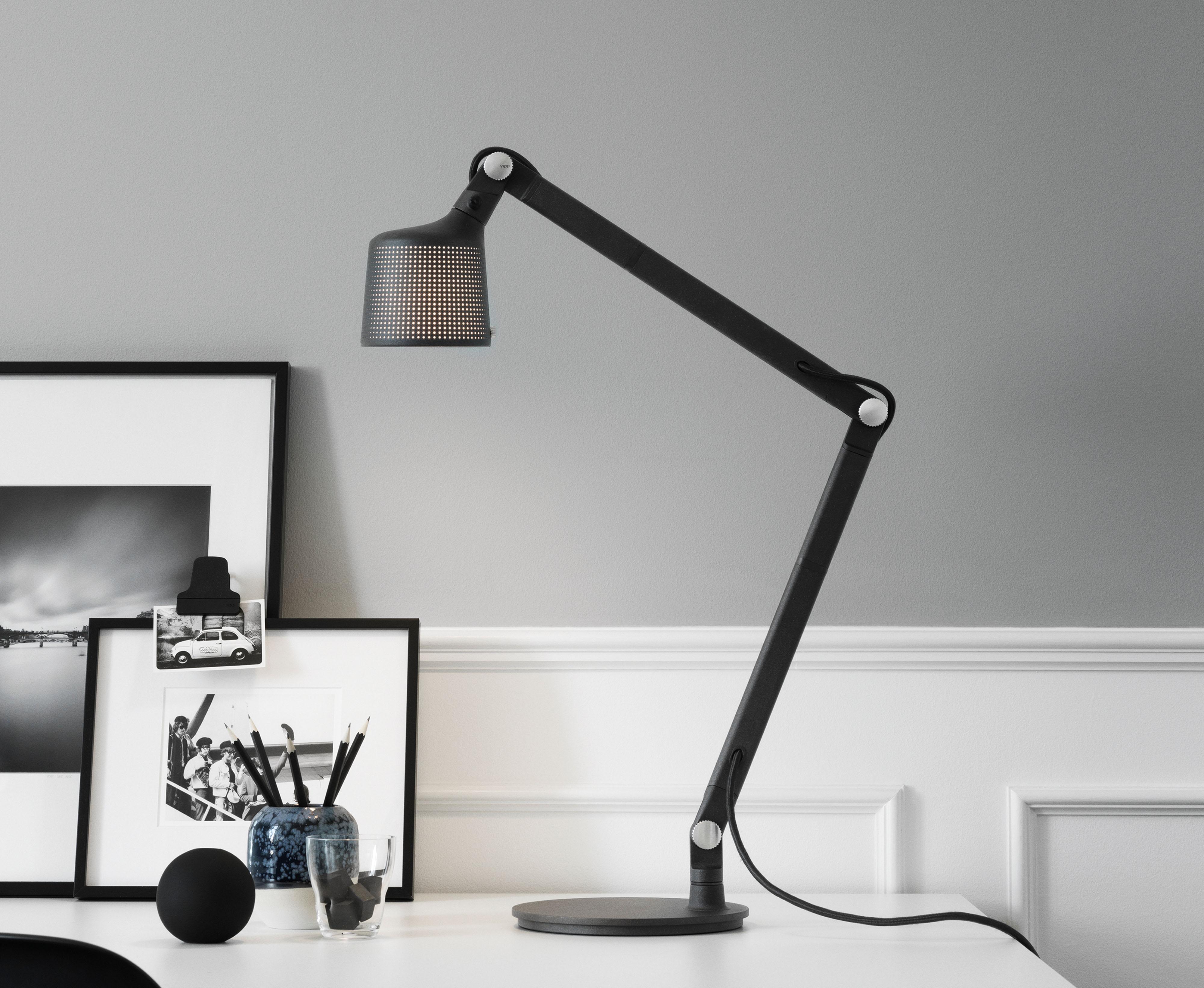 vipp-desk-lamp-journal