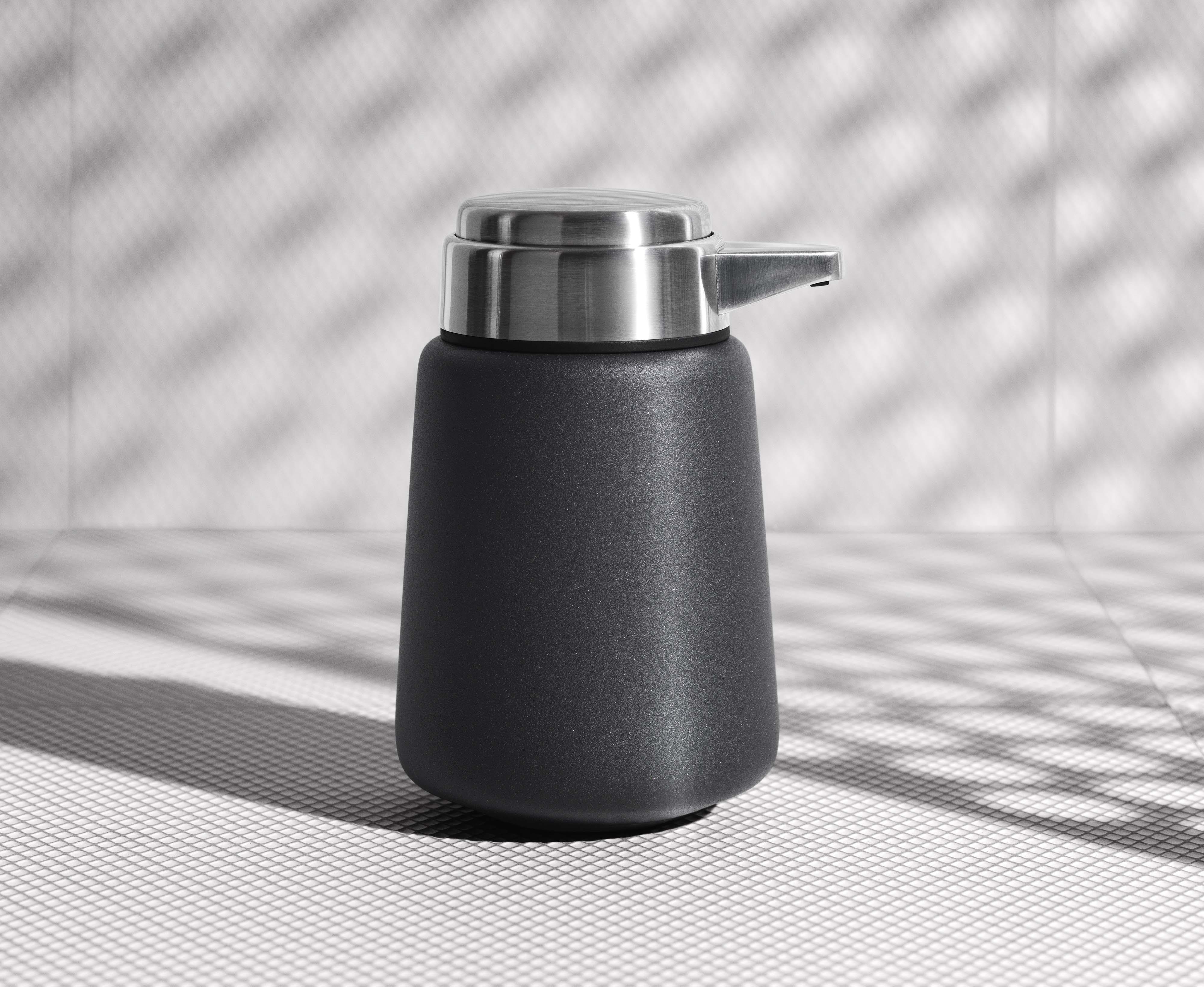 vipp-soap-dispenser-journal